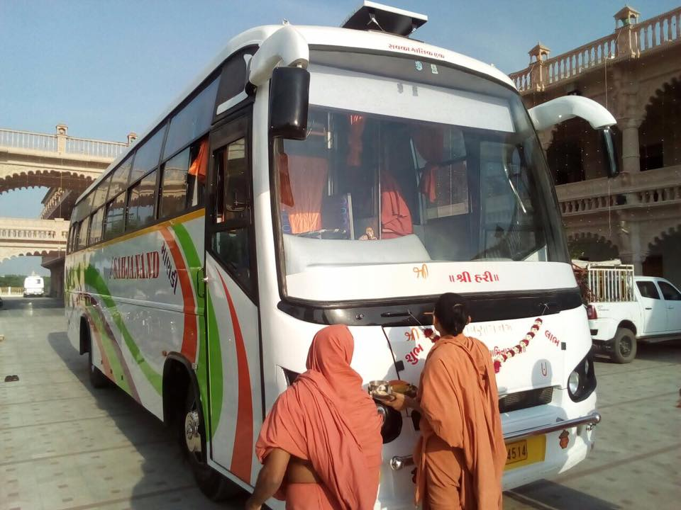 Volvo bus Hire in Ahmedabad